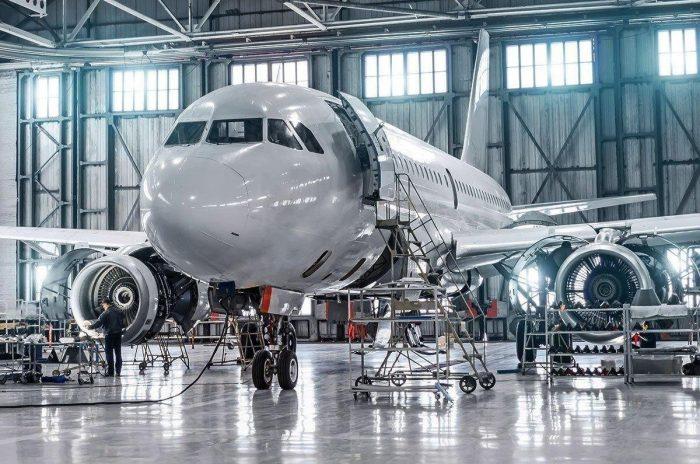Contrôler les formations et les qualifications pour un personnel conforme dans l'industrie aérospatiale